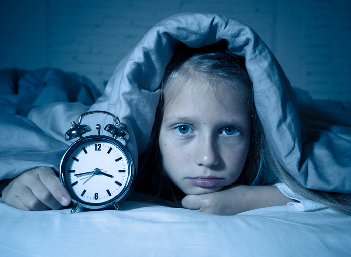 Can Late Bedtimes Lead to Obesity in Children?